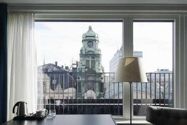 Grand Central, superiorroom, view Kungsgatan